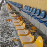 Banda debili zniszczyła trybuny stadionu