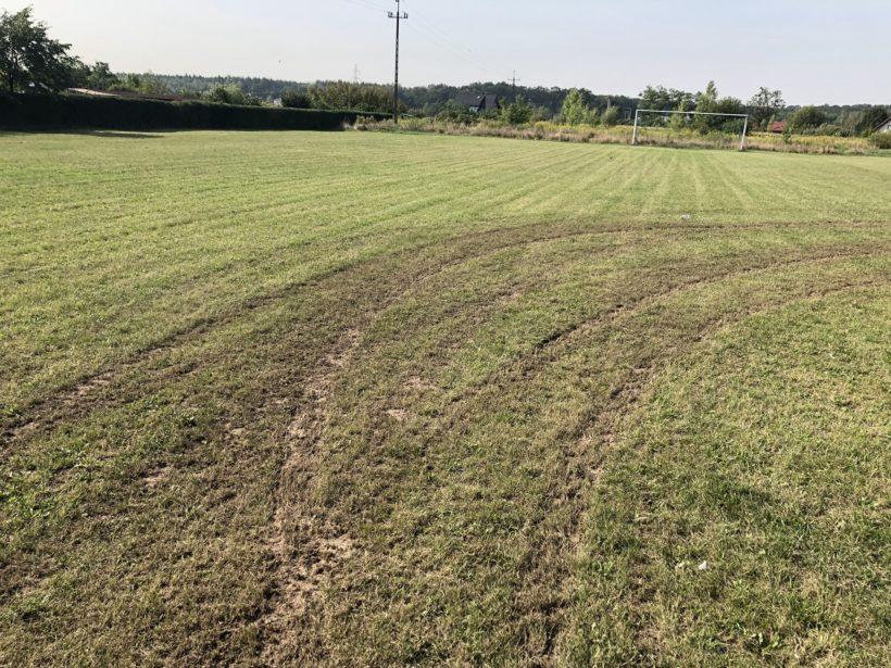 Zorza Wilkszyn zniszczone boisko