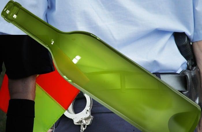 Butelką w sędziego i policjanta, czyli święto zepsute przez kiboli