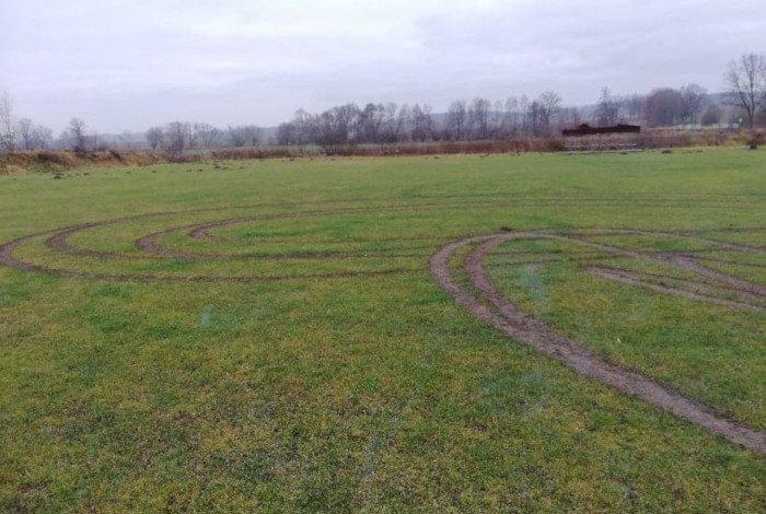 Delta Słupice zniszczone boisko
