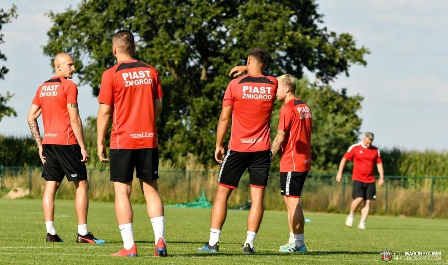 Trzech nowych zawodników w Żmigrodzie. Jeden z przedłużonym wypożyczeniem