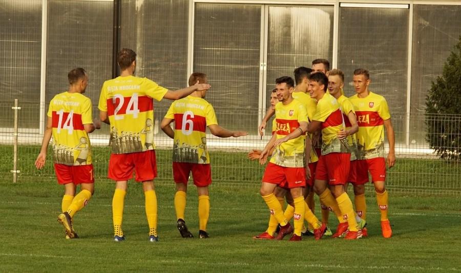 W hicie III ligi Ślęza wygrała z Ruchem. Wrocławianie z kompletem zwycięstw