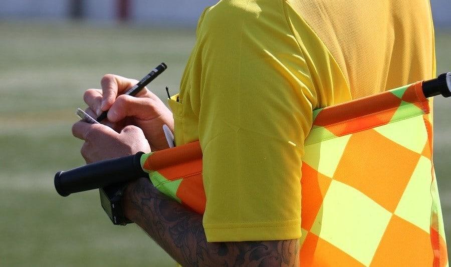 Nowe przepisy dotyczące sprawdzania zawodników podczas meczów