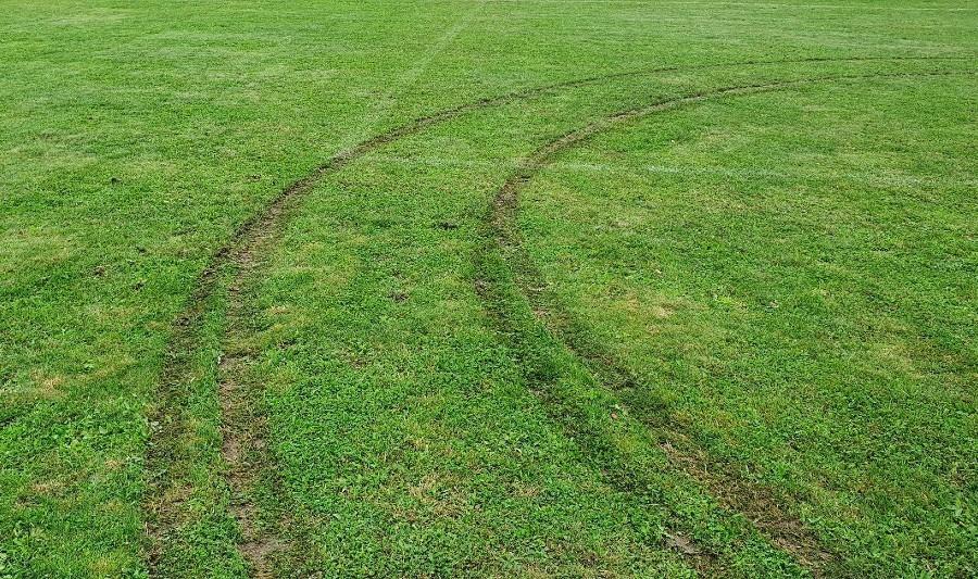 Kolejna murawa boiska zniszczona. Tym razem klubu z B klasy