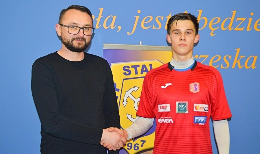 Młody obrońca Sokoła Marcinkowice przeszedł do III-ligowej Stali