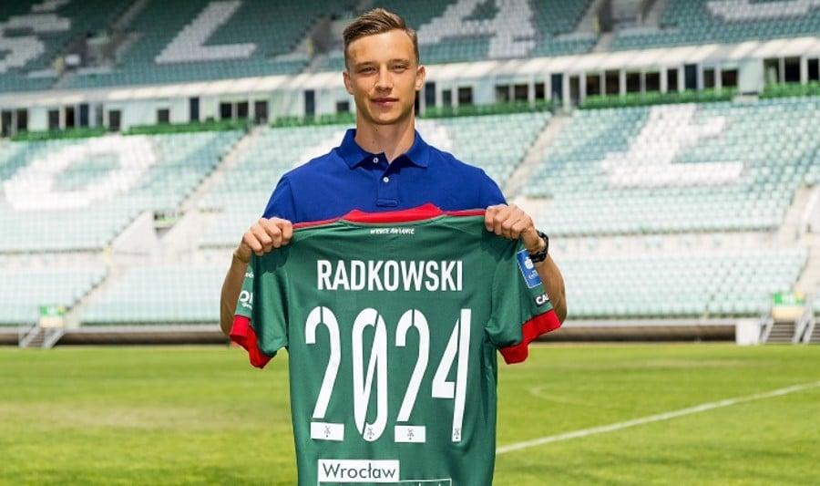 Drugi transfer Śląska Wrocław. 20-letni obrońca podpisał 3-letni kontrakt
